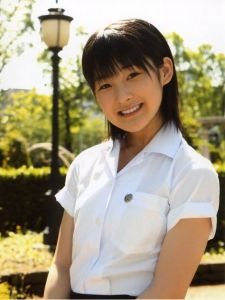 Momo (Momusu, Berryz Koubou ranking 5)
