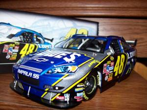 Jimmie Johnson 2007 COT 1:24 scale diecast