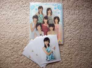 Berryz工房 folder holder w/ 7 picture set.