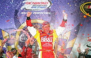Clint Bowyer wins at RIR!