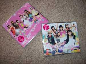 """Berryz Koubou """"Yuke Yuke Monkey Dance"""" LE & RE CD singles"""