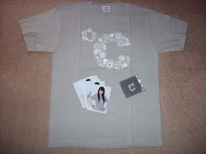 """C-ute """"Wasuretakunai Natsu"""" concert T-shirt set."""