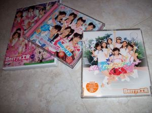 """Sakura Mankai"" concert ""Munasawagi Scarlet"" single & ""4th ai no nanchra shisuu"" album releases..."