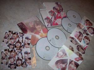 "AKB48 ""Sakura no shiori"" Type A & B CD single releases~ w/ photo cards..."