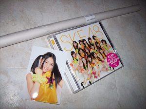 "SKE48 Team K II ""Te wo tsunaginagara"" album w/ member photo + poster..."