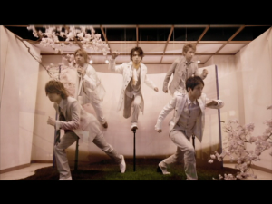 "Arashi ""Love so sweet"""