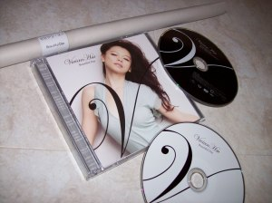"Vivian Hsu ""beautiful Day"" CD single first pressing w/ picture booklet, DVD & poster..."