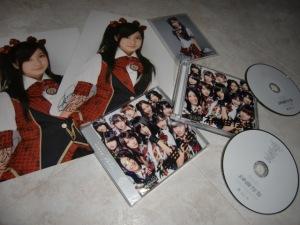 "AKB48 first press ""Kamikyoku Tachi""..."