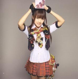 "AKB48 ""Kamikyoku Tachi"" booklet (scan11)"