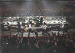 Mr.Children are Sakurai Kazutoshi, Tahara Kenichi, Nakagawa Keisuke, Suzuki Hideya.