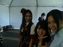 AKB48 @ Anime Expo 2010 before red carpet