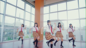 "Watarirouka Hashiritai in ""Seishun no flag"" (dance shot version)"