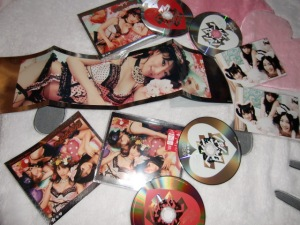 "AKB48 ""Heavy Rotation"" types A & B singles with photo extras"