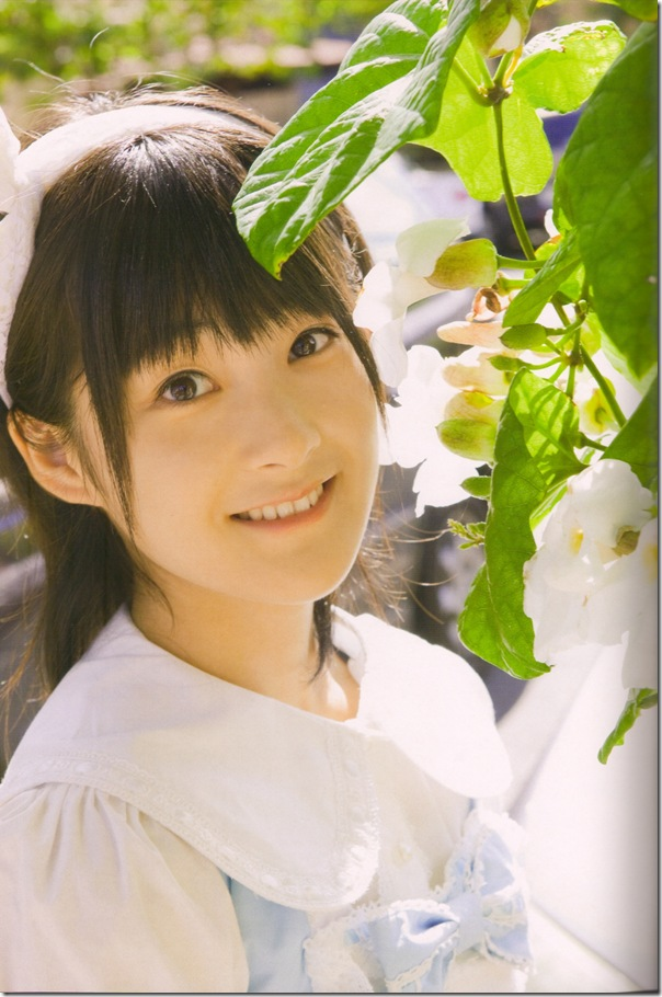 "Tsugunaga Momoko in ""Momochi Zukan"" scan0023"