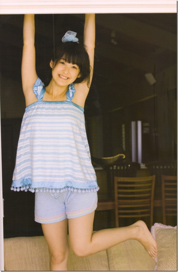 "Tsugunaga Momoko in ""Momochi Zukan"" scan0043"