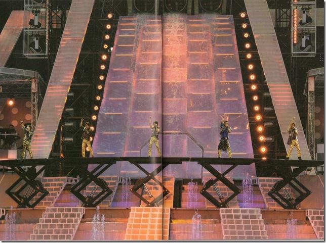 """ARASHI 10-11 TOUR """"SCENE""""~Kimi to boku no miteiru fuukei~ scan0001"""