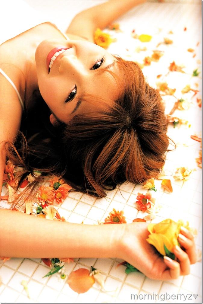 Ishikawa Rika (Ishikawa Rika 2nd shashinshuu scan)