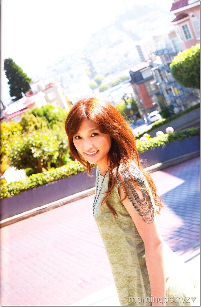 "Ishikawa Rika ""Lucky☆"" shashinshuu scan IMG_0022"