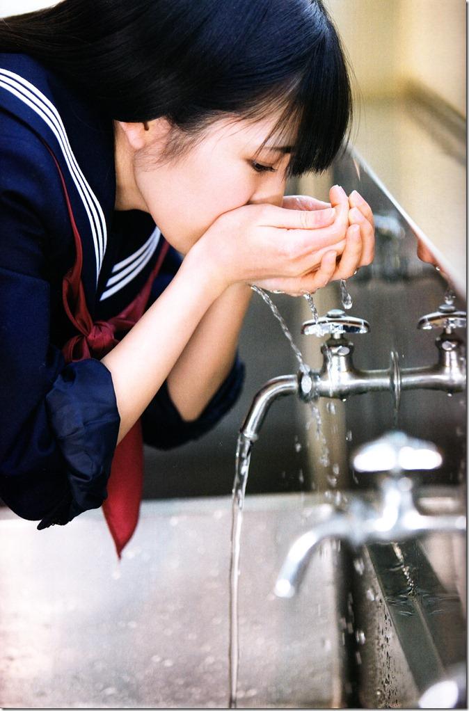 Watanabe Mayu 1st photo book Mayuyu  (10)