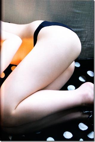 Watanabe Mayu 1st photo book Mayuyu  (69)