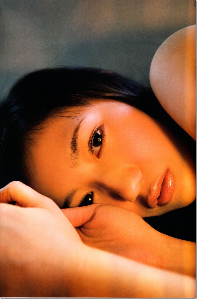 Watanabe Mayu 1st photo book Mayuyu  (72)