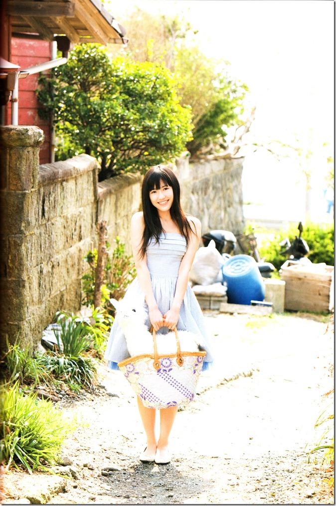 Watanabe Mayu 1st photo book Mayuyu  (77)