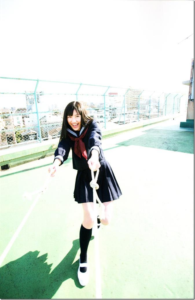 Watanabe Mayu 1st photo book Mayuyu  (7)