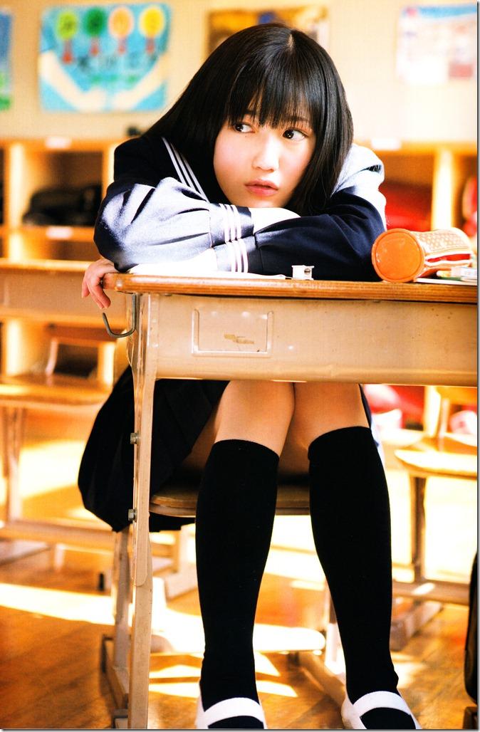 Watanabe Mayu 1st photo book Mayuyu  (8)