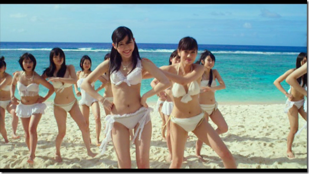 AKB48 in Manatsu no Sounds good! (Dance Version) (19)