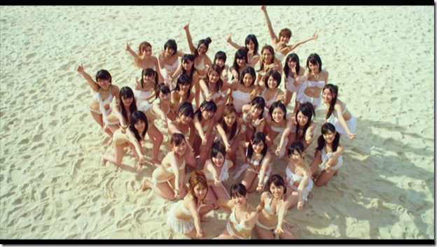 AKB48 in Manatsu no Sounds good! (Dance Version) (24)