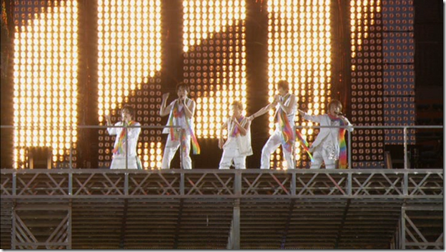ARASHI in LIVE TOUR Beautiful World (120)