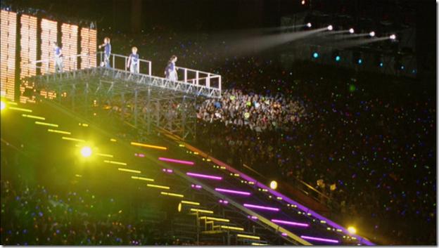 ARASHI in LIVE TOUR Beautiful World (321)