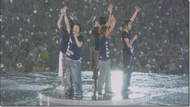 ARASHI in LIVE TOUR Beautiful World (361)