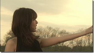 Manoeri in Song for the DATE (side B) version (36)
