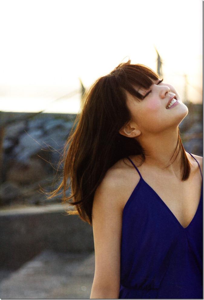 Niigaki Risa Ascension shashinshuu (33)