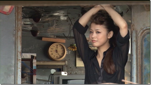 Niigaki Risa in Ascension making of (80)