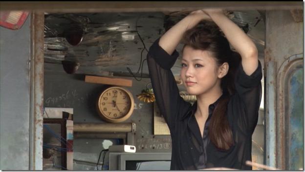 Niigaki Risa in Ascension making of (80)