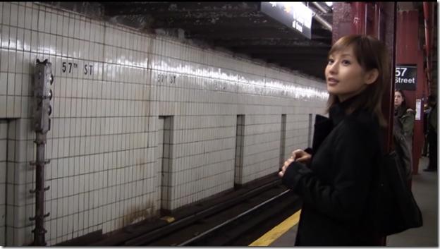 Abe Natsumi in Subway (51)