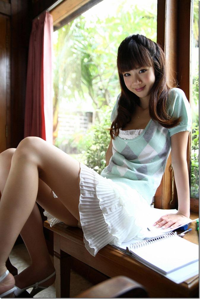 Hoshino Aki (1)