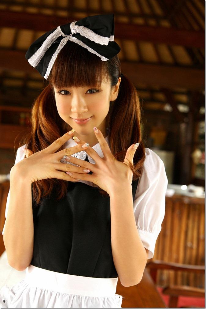 Hoshino Aki (37)