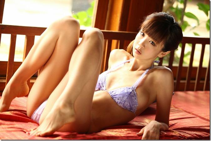 Hoshino Aki (63)