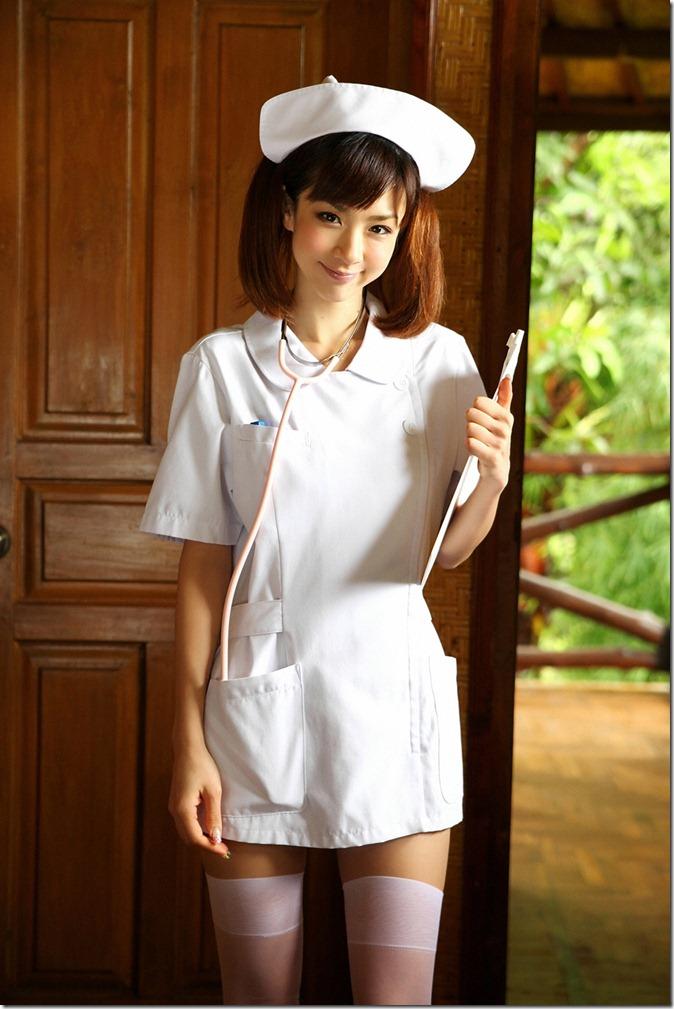 Hoshino Aki (65)