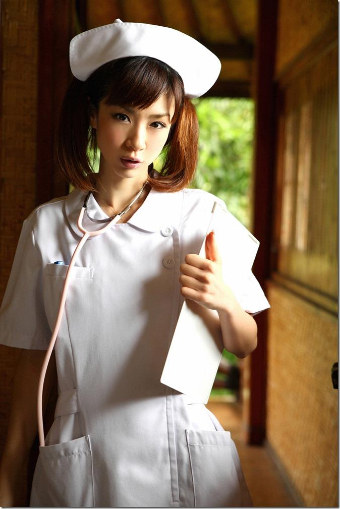 Hoshino Aki (67)