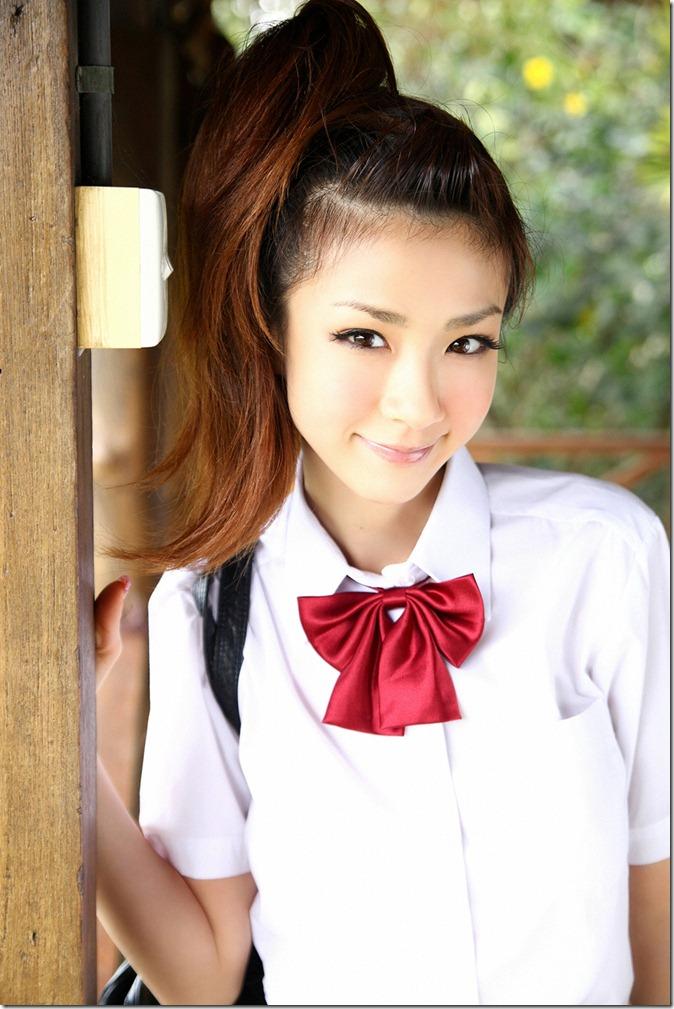 Hoshino Aki (84)