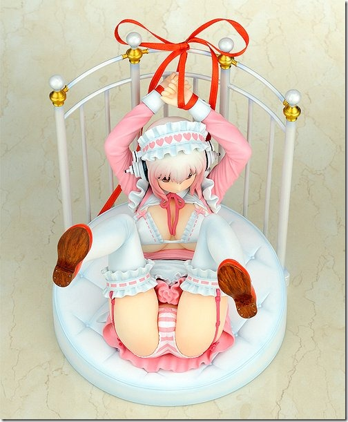 Super Sonico Lolita Maid ver. + Bed Base Set