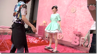 Watanabe Mayu in Otona Jelly Beans (making of) (3)
