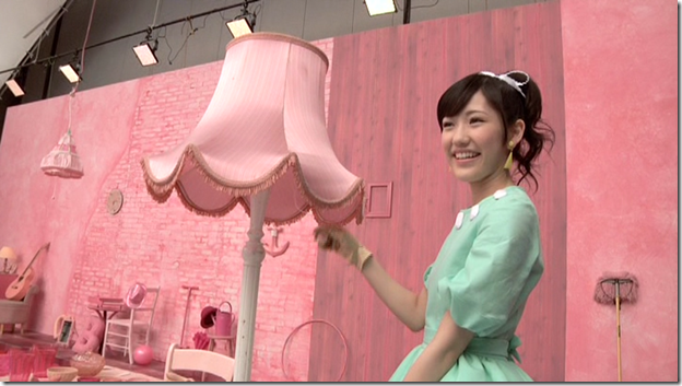 Watanabe Mayu in Otona Jelly Beans (making of) (5)