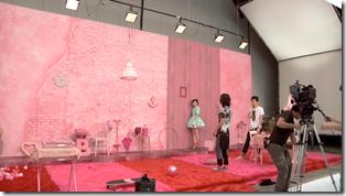 Watanabe Mayu in Otona Jelly Beans (making of) (6)