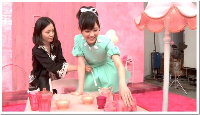 Watanabe Mayu in Otona Jelly Beans (making of) (9)