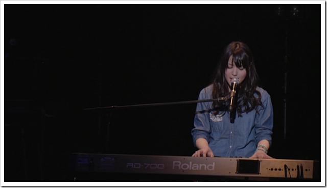 Yajima Maimi & Suzuki Airi in Acoustic Live @ Yokohama Blitz (23)